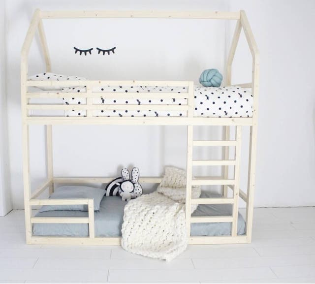 Litera Casa Montessori Con Dos Camas De Segunda Mano Por 399 En