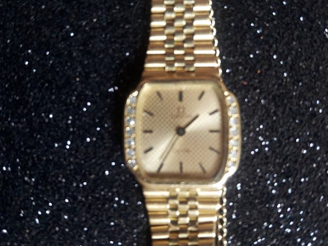 5aa527cfd9c8 Reloj Omega oro con diamantes de segunda mano por 1.500 € en Madrid ...