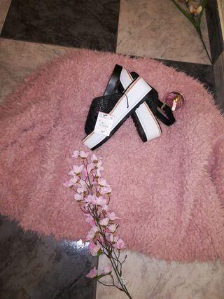 sandalias plataforma Zara nuevas con etiqueta n:37