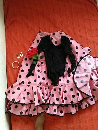Falda, mallo y accesorios.