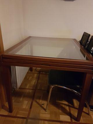 Mesa salón, 115 X90 madera y cristal abierta 2m30