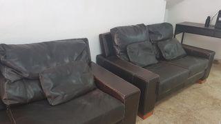 2 sofa cuero