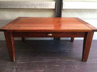 mesa tamaño pequeño