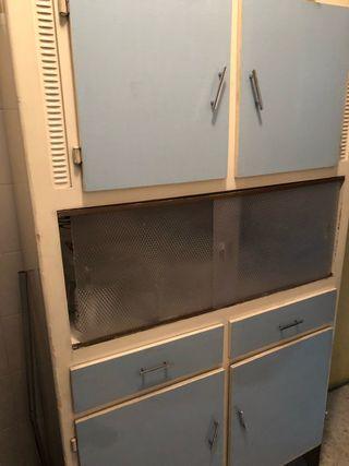 Mueble de cocina antiguo de segunda mano en wallapop for Busco muebles de cocina de segunda mano