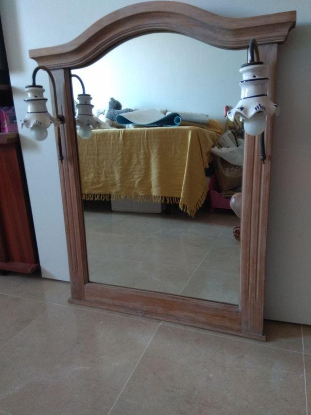 Espejo cuarto de ba o con apliques de segunda mano por 30 en bormujos en wallapop - Apliques espejo bano baratos ...