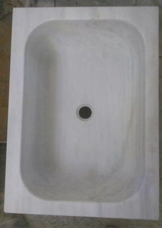 fregadero de marmol blanco