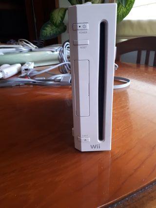 Wii en color blanco + accesorios y juegos