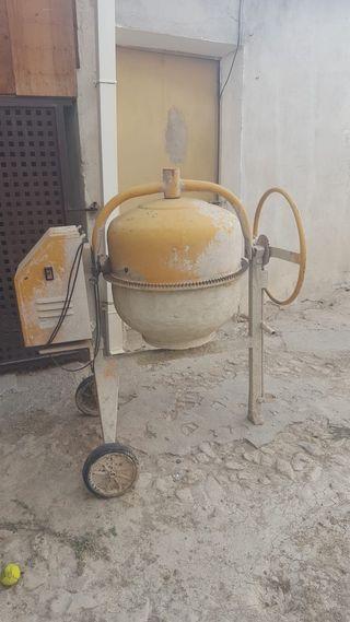 Hormigonera/170 litros
