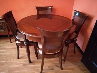Mesa extensible de comedor con cuatro sillas de segunda mano por 500 en valgranda en wallapop - Comedor de cuatro sillas ...
