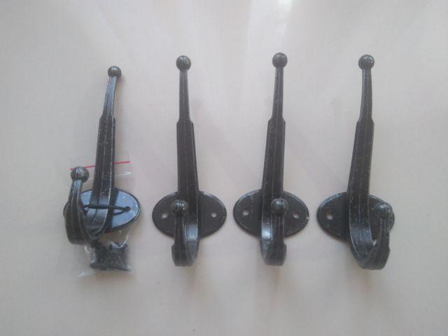 4 percheros de metal