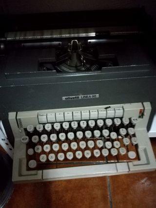 Maquina de Escribir (Olivetti)