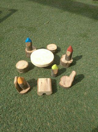 juguetes waldorf gnomos mesa sillas