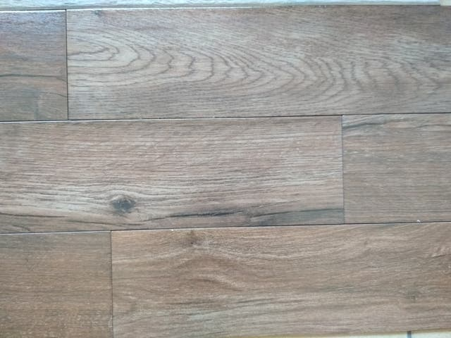 Suelo porcelanico imitacion madera de segunda mano por 7 5 en parla en wallapop Suelo porcelanico imitacion madera