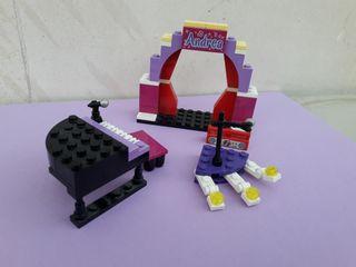 Lego Friends escenario con piano