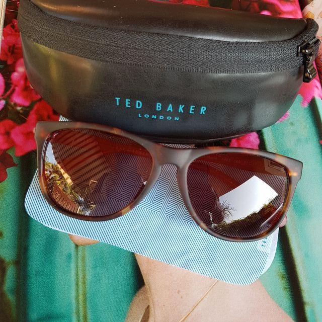 5560ae077d2a2 Gafas de sol Ted Baker de segunda mano por 50 € en L Eliana en WALLAPOP