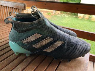 Botas de fútbol sin cordones de segunda mano en WALLAPOP f058d1ce4ece7