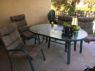 Juego mesa y 4 sillas jardín