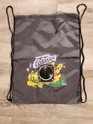 Bolsa-mochila Cola cao con altavoz