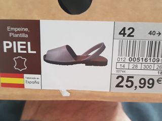 zapatillas de piel.