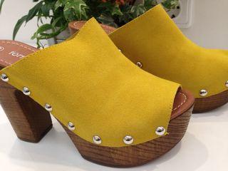 Sandalias amarilla