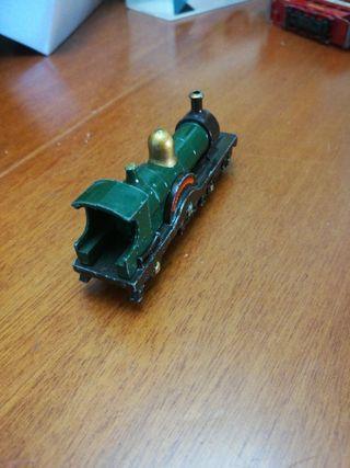 locomotora duke of connaught 4-2-2 de lesney