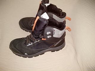 botas de montaña QUECHUA nuevas