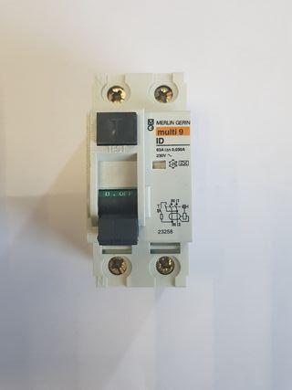 Interruptor Diferencial 2P 63A 30mA Merlin Gerlin