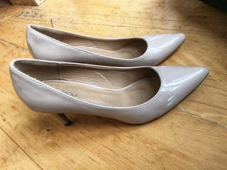 Nude patent - Low court heels