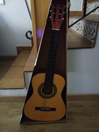 Guitarra española cadete