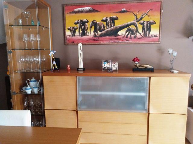 Mueble, vitrina, mesa comedor + sillas PIFERRER de segunda mano por ...