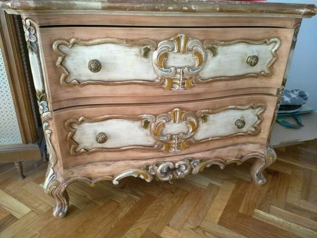 Muebles Viejos Barcelona : Conjunto muebles antiguos madera decorada de segunda mano