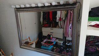 espejo con luces incorporadas