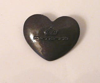 broche coeur gris foncé métallisé Fornarina