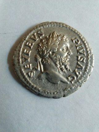 Denario de Severo, moneda romana.