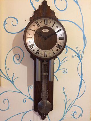 """Reloj de péndulo """"Velona"""" de Hermle"""