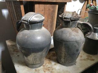 Vasija de metal para guardar la leche o cántaro