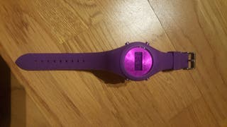 Reloj digital CUSTO
