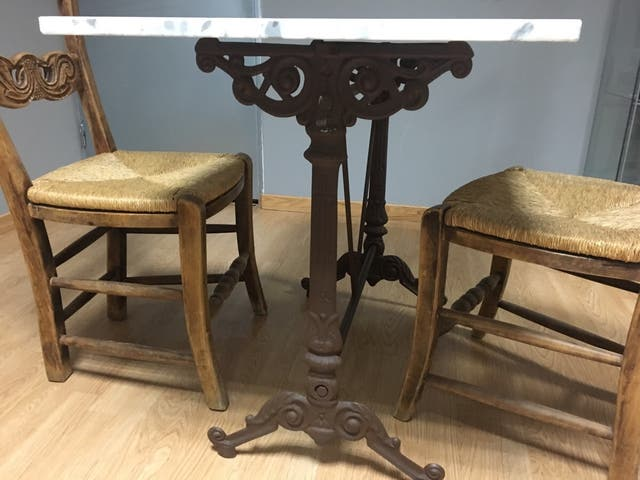 Mesa y sillas para cocina o jardín de segunda mano por 100 € en ...
