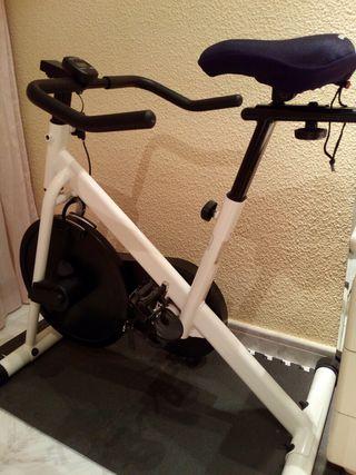 Bicicleta Estática Training Discov KH-183/OD12445