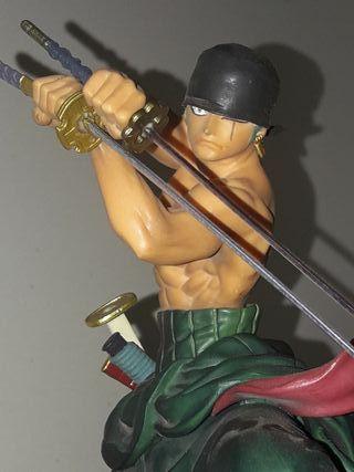 figura samurai. Roronoa Zoro.