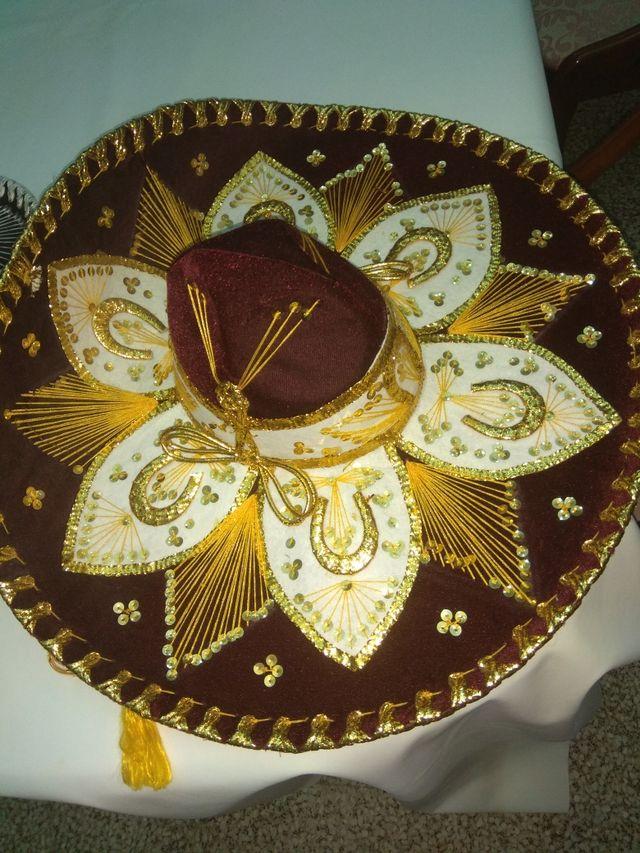 Sombreros mexicanos originales de segunda mano por 100 € en Aldaia ... d8a943cce09