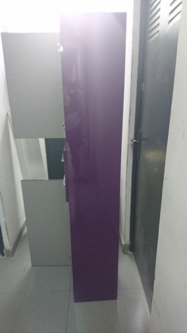 Mueble de baño color Berenjena