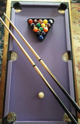 Mesa multijuego de billar, pin pon y bolos