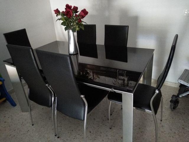 Mesa comedor y conjunto de seis sillas. de segunda mano por 400 € en ...