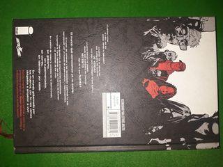 Libro The Walking Dead, tapa dura. Impecable.