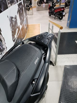 Parrilla trasera original Kymco AK 550