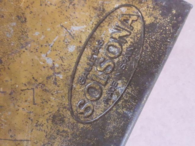 Antigua caja de galletas Solsona.