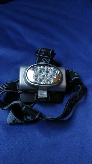 Linterna LEDS frontal de cabeza.
