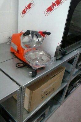 picadora de hielo industrial 65kg/h