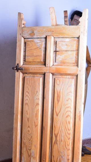 Puertas antiguas de madera vaiven